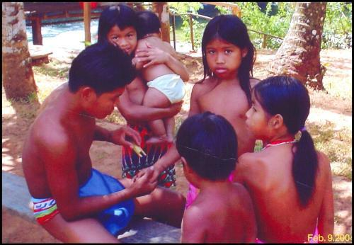 Panama Embera Indians - photo by Wendy Levy